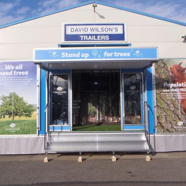 Exhibition Trailer with doors